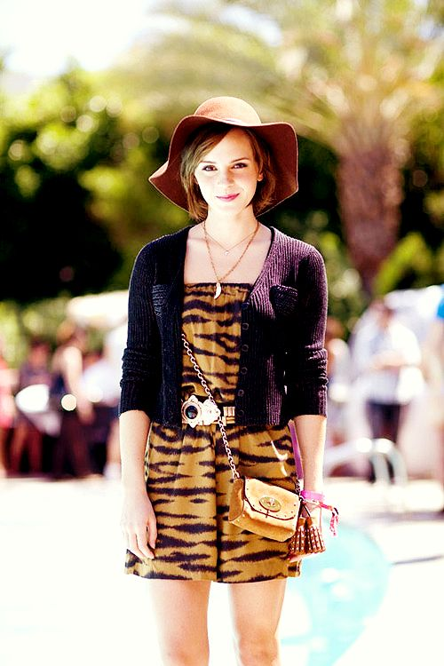 Emma Watson at Coachella. LOVE her outfit, hair, and makeup. Perfection.