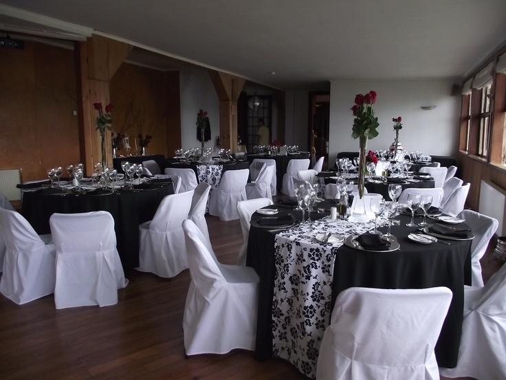 Decoraci n blanco negro y rojo decoraciones mesas pinterest - Decoracion blanco y negro ...