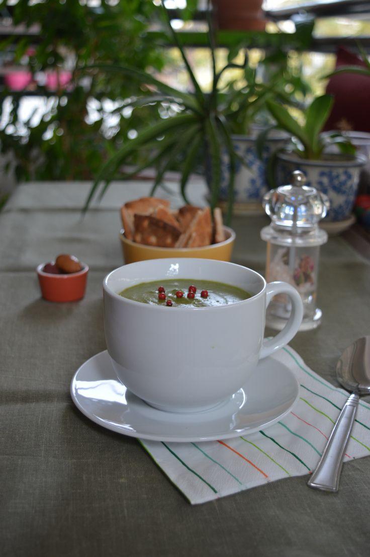 Creamy Spring Fresh Pea Soup