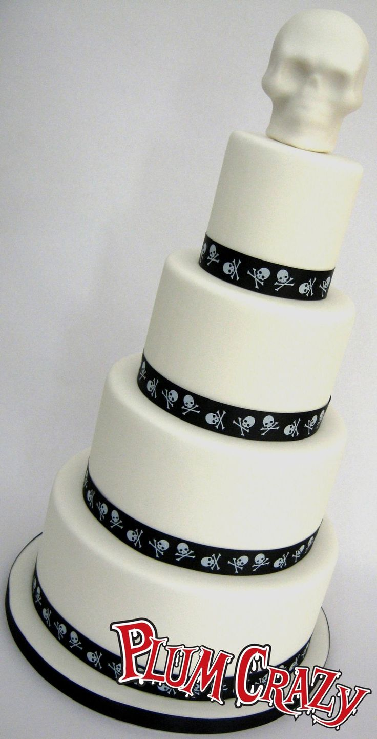 4 tier black white alternative wedding cake skulls 4 tier black white alternative - Halloween Wedding Cakes Pictures