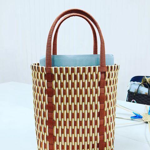 エコ クラフト かご バッグ 作り方 縁かがりの編み終わり方 - 紙バンド(紙ひも)で作るかごバッグ~mamemame~