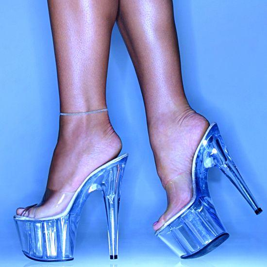 Ebony strippers in high heels — img 11