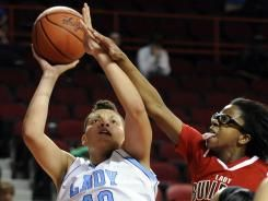 Daughter of Randy Moss sweeps Kentucky Basketball Awards. Talent is passed on!