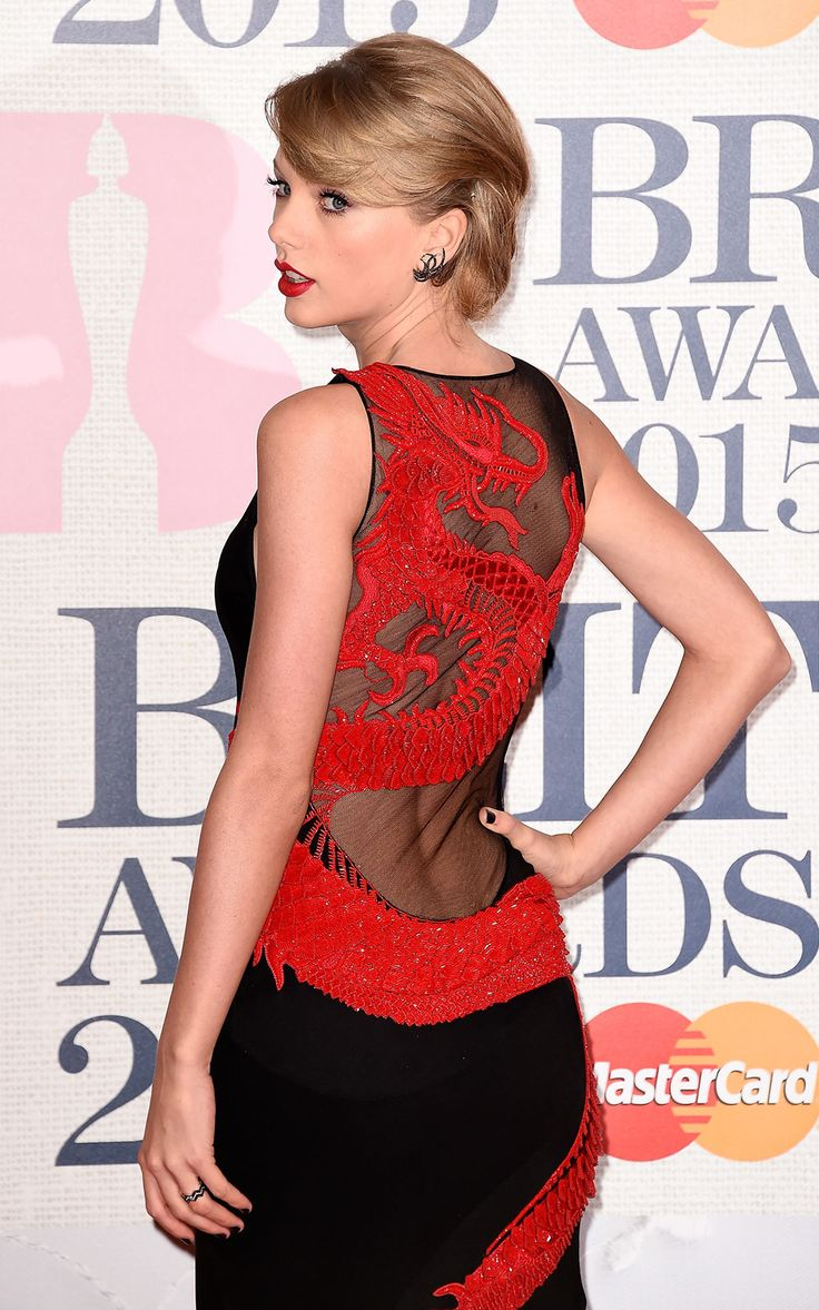 Brits 2015 red carpet | Brit Awards arrivals and pictures | Taylor Swift in Roberto Cavalli