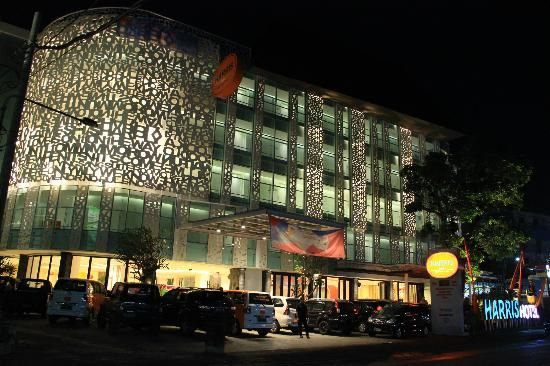 Harris Hotel Raya Kuta Bali is suitable hotel for a long term stay for leisure travelers, businessmen and a family. Whatever your reason for visiting KUTA BALI, Harris Hotel Raya Kuta Bali is highly recommended for you who want to get the most convenient and memorable experiences. Stay cool, no rules this hotel is protect the privacy of their guest, don't miss it.