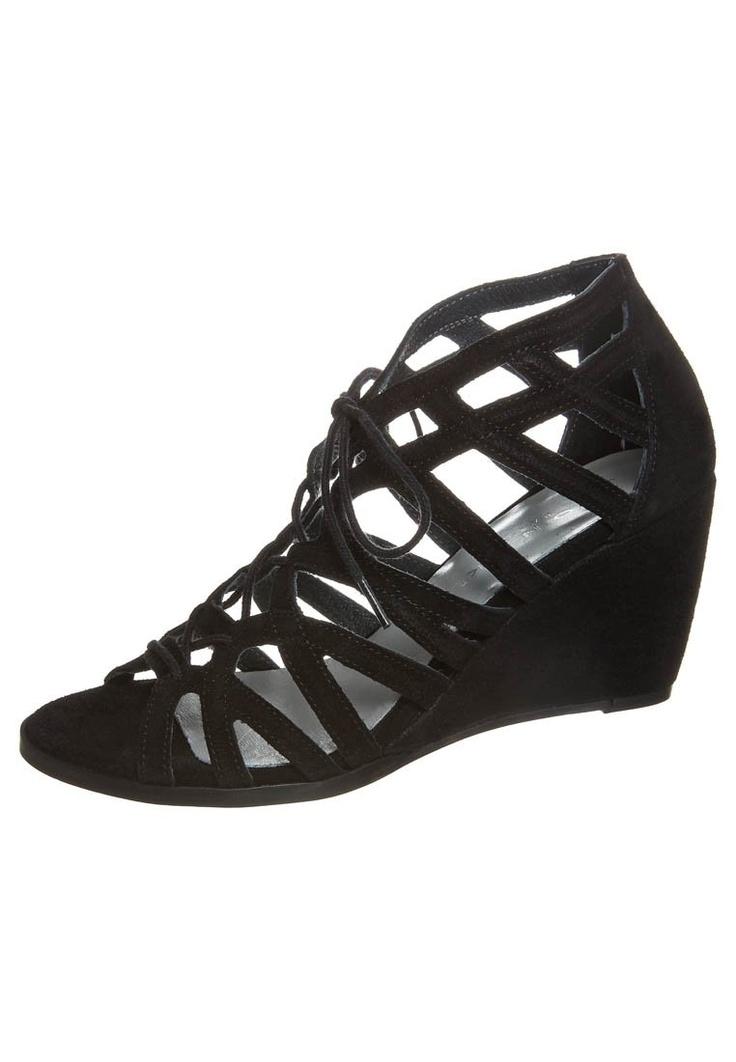 Compensées à lacets · Shoe