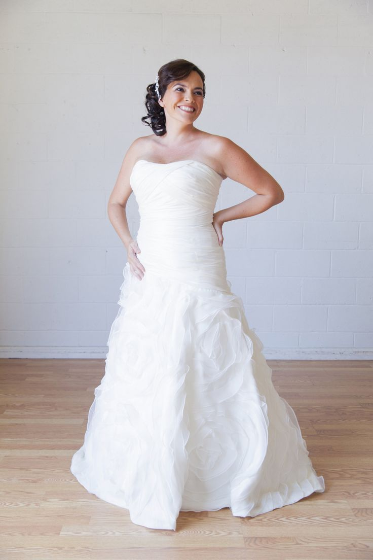 Rent A Wedding Dress Online - Best Wedding Dress for Pear Shaped Check more at http://svesty.com/rent-a-wedding-dress-online/