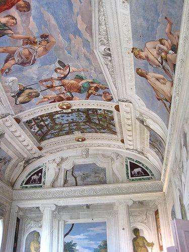 Villa Barbaro: The Bacchus Room painted by Paolo Veronese - Palladio