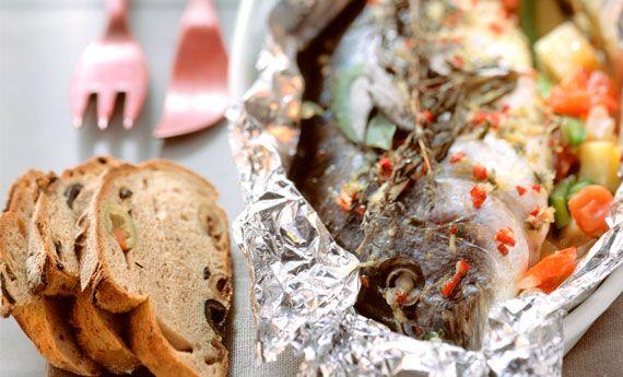 Pesce al cartoccio al forno con patate, la ricetta semplice e sana   Cambio cuoco