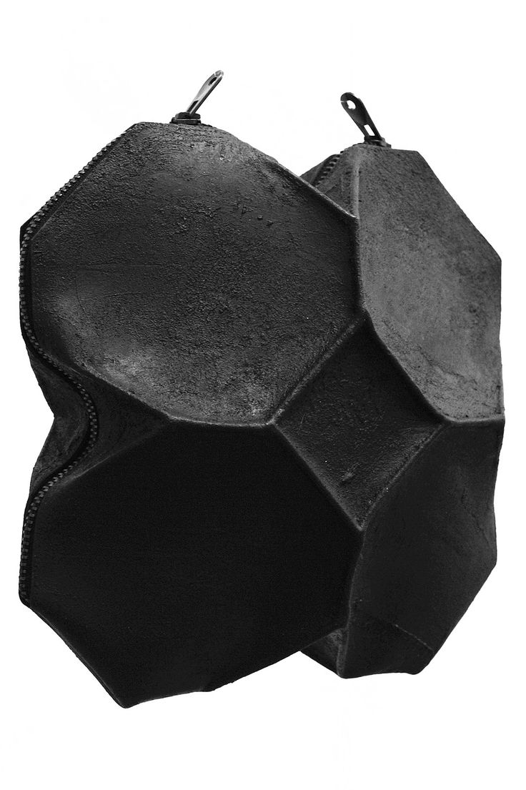 Kagari Yusuke - Black Leather & Putty Geometric Bag  | unconventional
