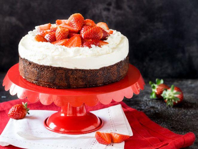 Dreifach lecker: Erdbeer-Brownie-Cheesecake