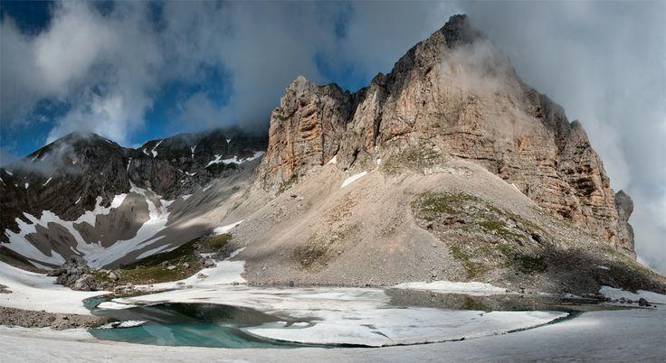 Lago di Pilato, Le Marche, Italy is SO beautiful white with snow!