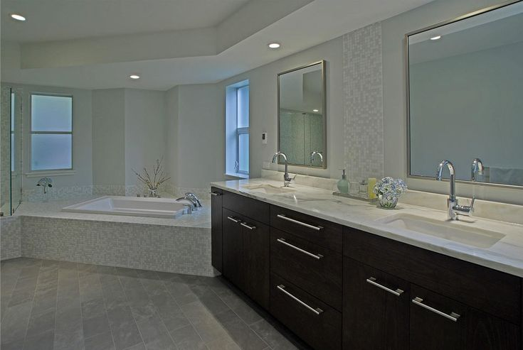View This Great Contemporary Master Bathroom With Flush U0026 Complex Marble By  Yumi Kagamihara. Discover U0026 Browse Thousands Of Other Home Design Ideas On  ...