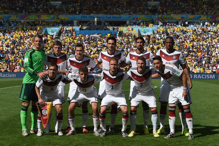 Echipa naţionaţă de fotbal a Germaniei, pe stadionul Maracana, în Rio de Janeiro, vineri, 4 iulie 2014. (  Patrik Stollarz / AFP  ) - See more at: http://zoom.mediafax.ro/sport/drumul-spre-finala-cupei-mondiale-12929349#sthash.qJLekd8E.dpuf
