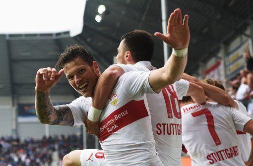 Der VfB Stuttgart hat mit dem 2:1-Sieg in Paderborn den Klassenerhalt perfekt gemacht. Hier gibts die Bilder vom Spiel. Foto: Bongarts http://www.stuttgarter-zeitung.de/inhalt.21-in-paderborn-der-vfb-stuttgart-schafft-den-klassenerhalt.f1859703-041d-4bd1-afee-274d3125c7ca.html