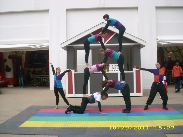 FEAT Acrobatics 8- Person Group Acrobalance outdoor stage show