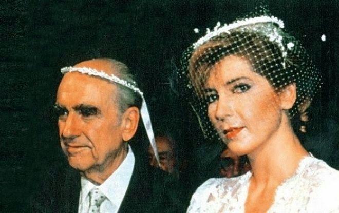 Σαν σήμερα το 1981 το ΠΑΣΟΚ καβάλησε την εξουσία        Η γνωριμία με τον Ανδρέα Παπανδρέου, το ταξίδι στο Λονδίνο, το διάσημο νεύμα στο Ελ...