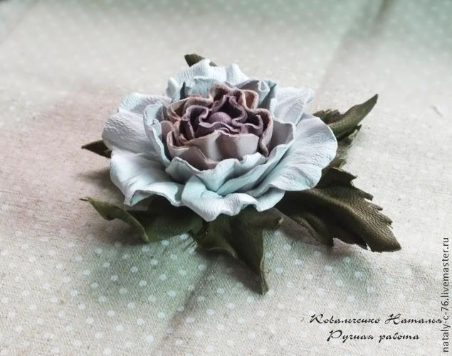 Как сделать розу из кожи. Мастер-класс.
