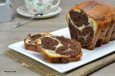 Il plumcake marmorizzato morbido è un dolce perfetto da gustare a colazione o in qualsiasi altro momento della giornata; si prepara in un attimo.