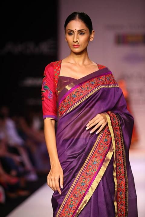The blouse, the border and the saree colour. Sigh. We're sold. Outfit by Shruti Sancheti, LFW 2013