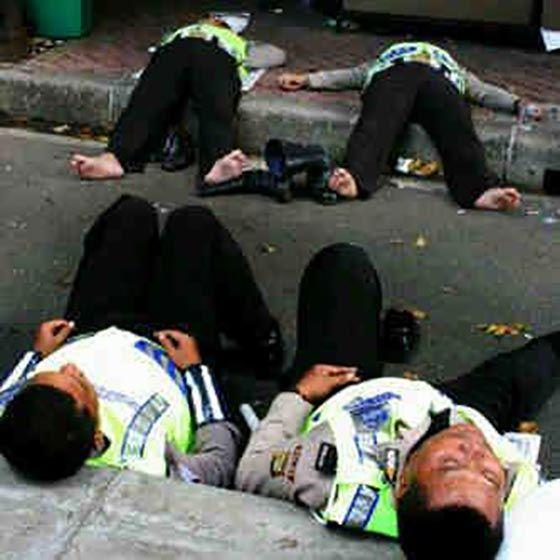 wisbenbae: Kenapa ada Polisi Tidur ?