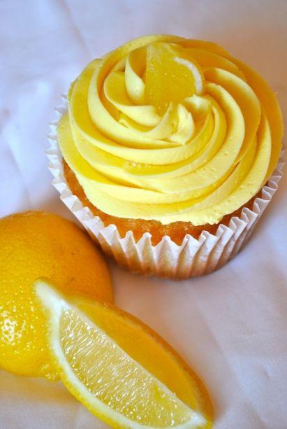 Przepis na babeczki cytrynowe z kremem i lemon curd