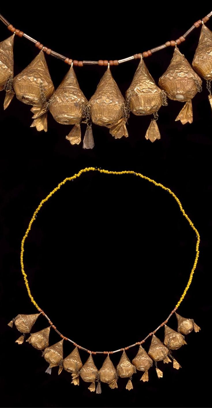Indonesia | Headband of a crown; gold, coral and glass beads  | Late 19th to early 20th century | Minangkabau people, West Sumatra || {GPA}