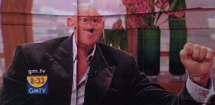 Ross kemp folds wins the internet  http://kempfolds.blogspot.co.uk/?m=1