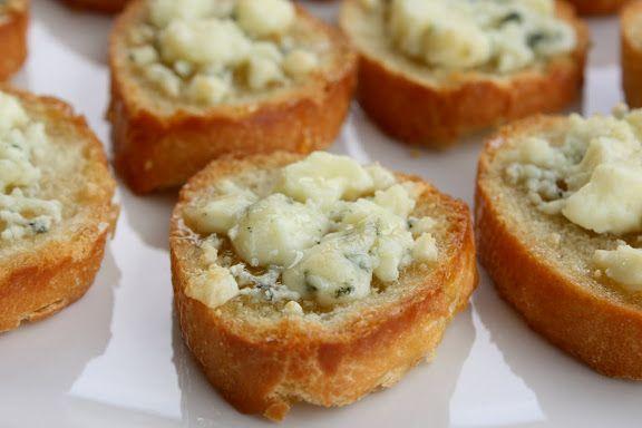 gorgonzola + honey bruschetta: Food, Honey Bruschetta, Gorgonzola Honey, Gorgonzola Cheese, Appetizers, Honey Appetizer, Gorgonzola Recipe