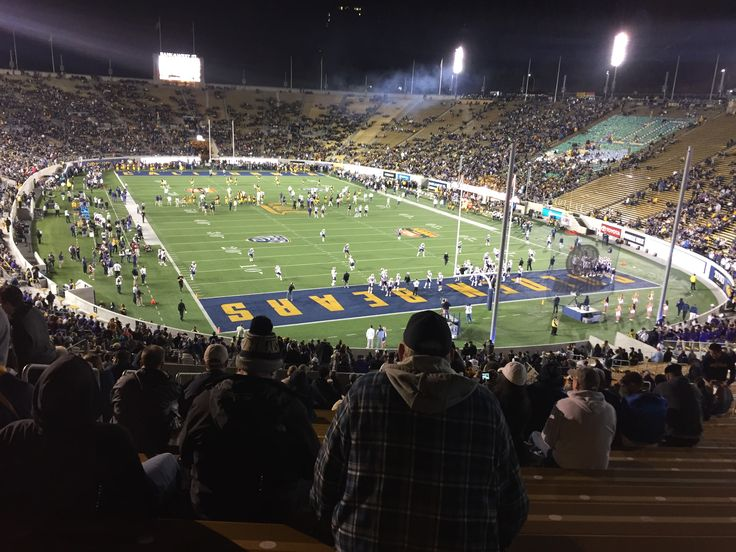 I was at my first football game a wile back, sooo fun!!  Much better than on TV!!  Go CAL!!