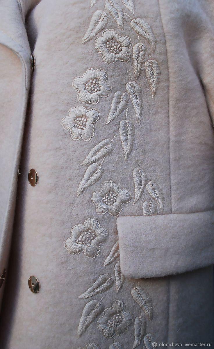"""Купить Роскошное вышитое пальто из шерсти """"Пудровое"""" ручная вышивка - бежевый, теплое пальто"""
