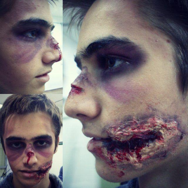 Poniendo en práctica nuestros conocimientos autodidactas. Caracterización zombie. ZOMBIE 1con @anabee_cym #zombie #zombiemakeup #caracterizacionzombie #apocalipsiszombie #effects  #practicaleffects  #specialeffects #fx #fxeffects #makeup #specialeffectsmakeup #character #characterdesign #fp #colaboracion #fpaudivisusles #fpcaracterizacion #apicalipsiszombieenelinstituto