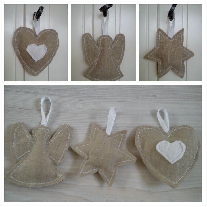 Alvast voor de kerstboom #HipinStof #hip #creatief #kerst #kerstmis #kerstboom #hart #hartje #engel #engeltje #engeltjes #ster #sterren #kersthanger #deurhanger #kasthanger #jute #burlap #kerstversiering #christmas #star #angel #angels #handgemaakt #handmade #hanger #hangers #door #deur