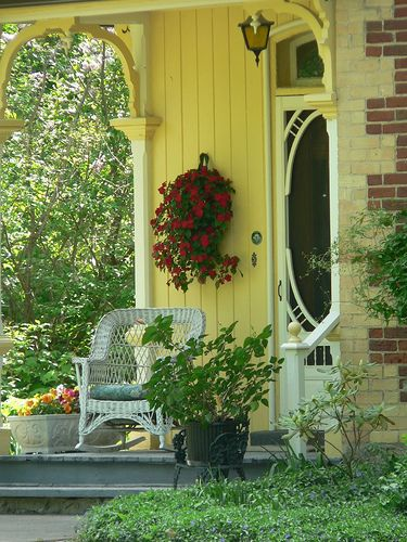 How to Dress up a Porch
