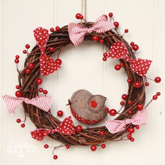 (Scendi in basso per la descrizione in italiano - Scroll down for italian translation)    This is a Christmas/winter wreath designed and