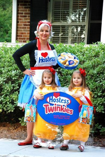 Top 10 Totally Cute Twin Costumes  sc 1 st  Pinterest & 12 best Halloween images on Pinterest | Families Halloween ...