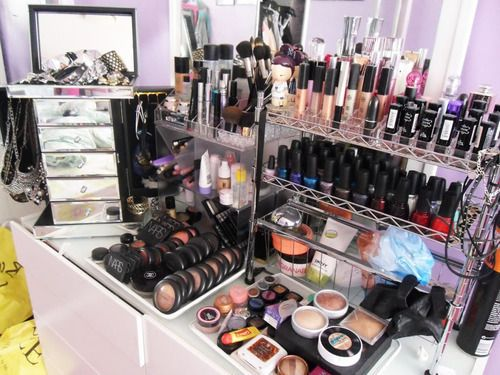 makeup storage, organization