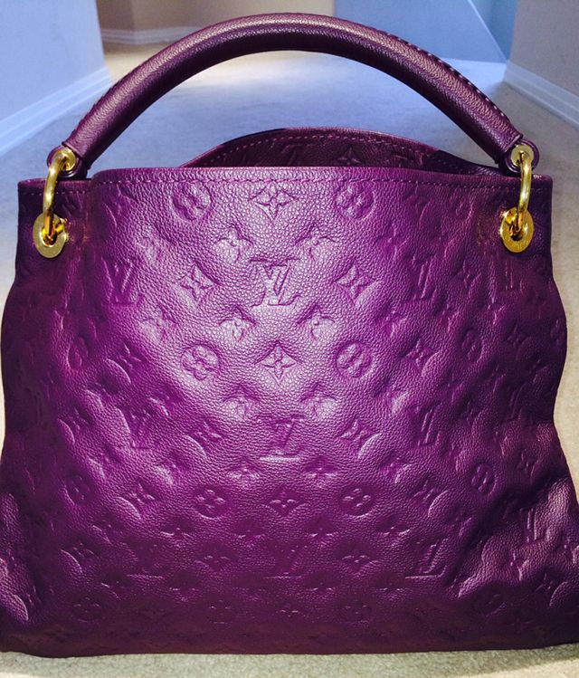 Louis Vuitton Monogram Empreinte Hobo I DIE, in my FAV color!!!