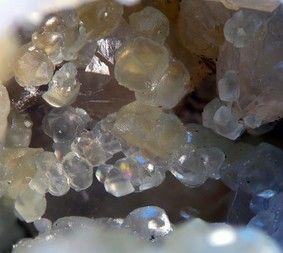 Smithsonite, Rohdenhaus quarry, Rohdenhaus, Wülfrath, Bergisches Land, North Rhine-Westphalia, Germany. Fov 10 mm. Copyright: Harjo