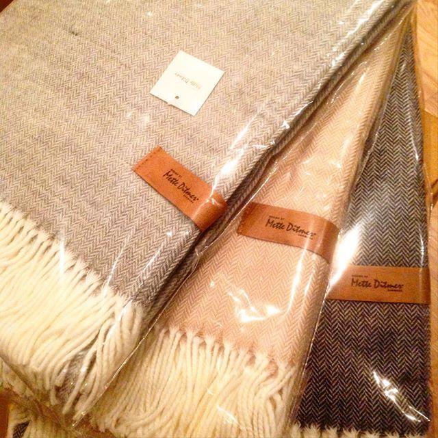 Lekre tepper fra Mette Ditmer har dine vakre ting til deg for 499 kr. Supre som julegaver #metteditmer #dansk#design #designer #teppe#pledd #julegave #julegavetips #julegaver #interiør #innkjøp #tips #skandinaviskehjem #nordiskehjem