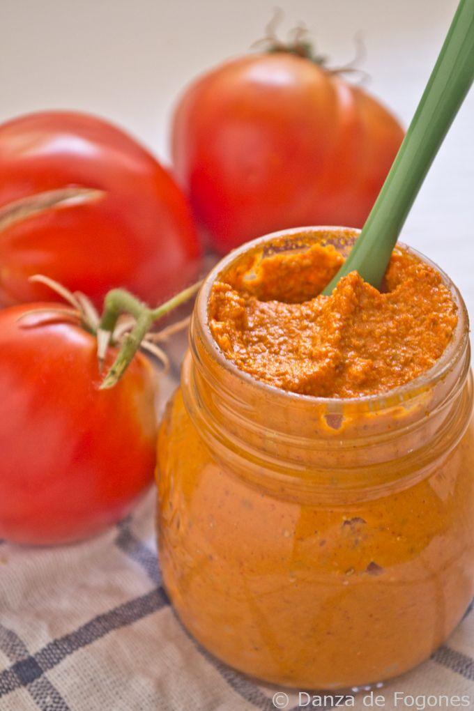 Paté de tomates secos, aceitunas y pimientos