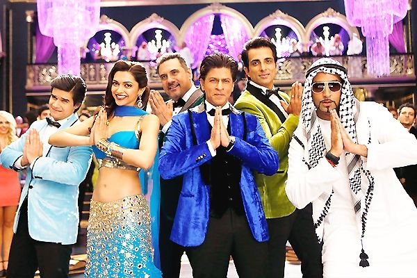 Happy New Year Special Video http://www.cinesprint.com/bollywood/cine-buzz/1701-happy-new-year-special-video.html  Happy New Year is one of the most aniticipated movies of the recent times. The movie has been promoted extensively by the whole cast which includes Sharukh Khan, Deepika Padukone, Boman Irani, Sonu Sood and Abhishek Bachchan.