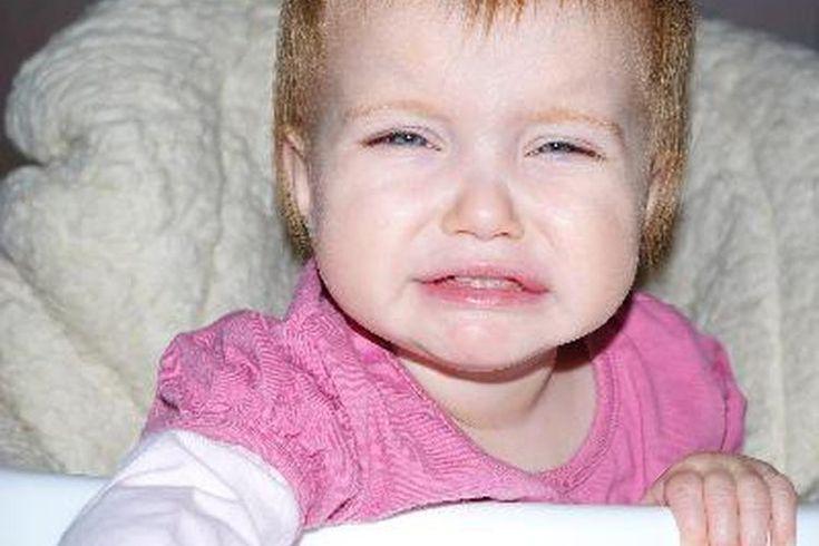 Alimentos para detener el reflujo ácido en niños pequeños. El reflujo gastroesofágico, o reflujo ácido, es una condición que puede afectar a personas de todas las edades. Si tu niño sufre de reflujo ácido, puede experimentar síntomas como dificultad para tragar, mal aliento, negarse a comer, voz ...