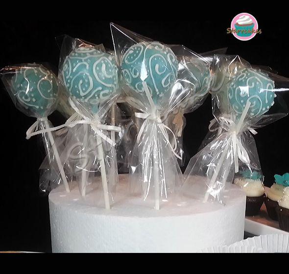 cakepops by www.starrcakes.com