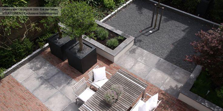 Tuindesgin moderne tuin klinkers gecombineerd met for Tuinontwerpen kleine tuin foto s