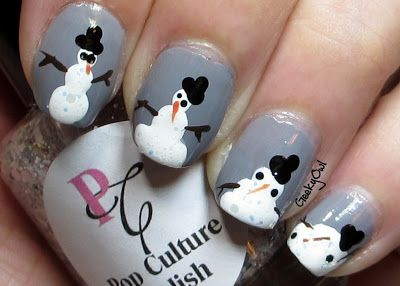So for my melting snowman I used Essence Romeo as my base color. I made my snowman out of Milani White On The Spot with Pop Culture Polish Formerly Frosty over top. With hat and eyes out of Finger Paints Black Expressionism. His arms are Finger Paints Sketchy Character. And his nose is Nails Inc Hans Place. Expect for my pinky where the eyes and nose are Formerly Frosty. #prom
