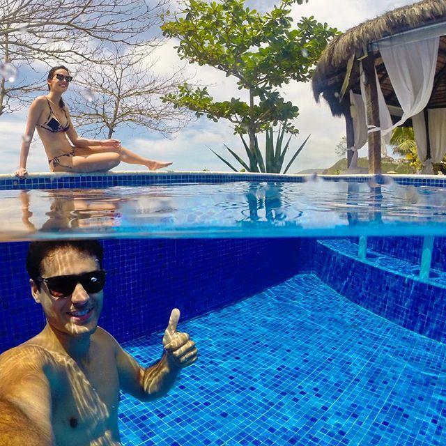 {Blue-zios RJ} Testando o novo DOME para a @gopro na piscina do @hotel_laborie | E não é que deu certo, sorte que o dia está lindo!! #psbonvoyage