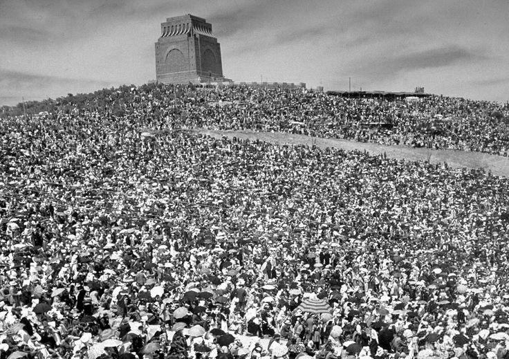 A Crowd of 175,000.. | Flickr - Photo Sharing!
