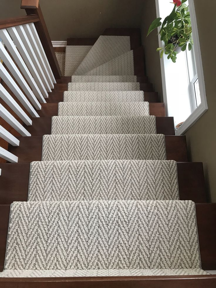 Best Stairs Runner In 2020 Stair Runner Carpet Stair Runner 400 x 300