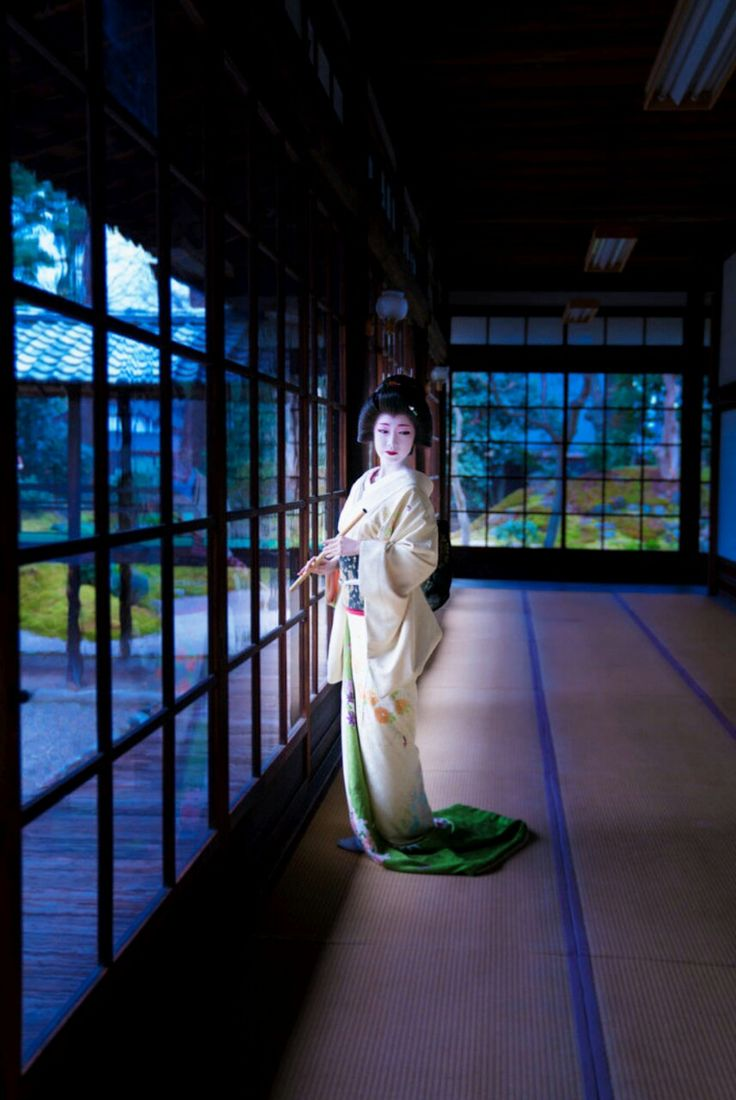 【Geiko, January 29, 2017】 Geiko is Toshikana. Shooting location is Ryuhonji Temple. Photo by Raisuke.